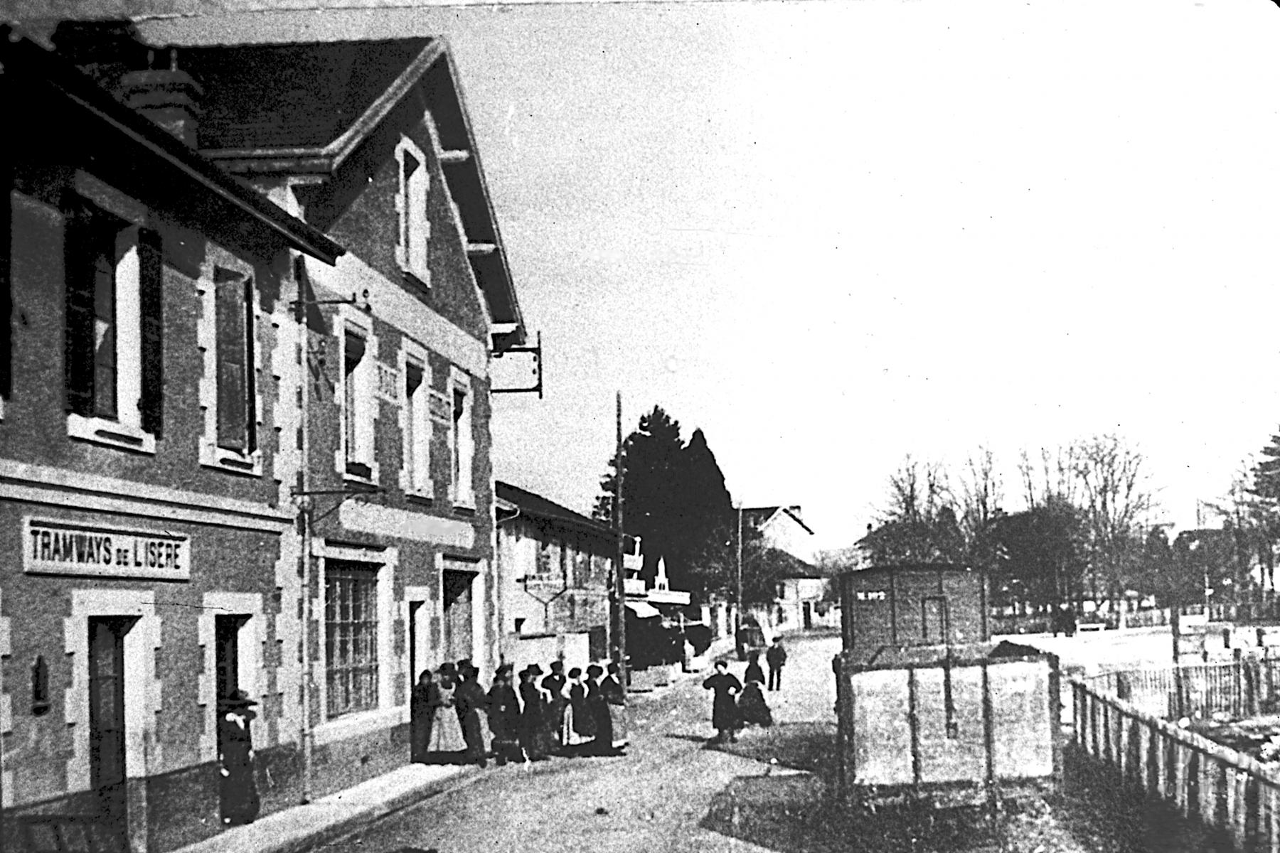 Saint-Marcellin - Place de la Gare