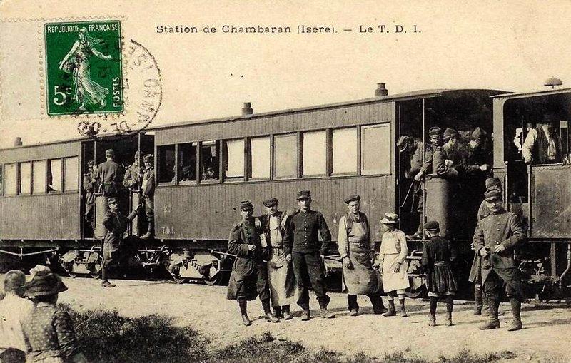 Halte au camp militaire de chambaran